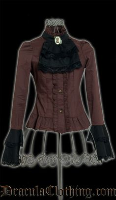 Perfect blouse for steampunk and victorian outfits, either with or without a corset. The cravat is detachable, so you can dress this blouse up or down