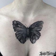 Trabalho realizado pela @melinatattoo #reillytattoobr #borboleta #butterfly #butterflytattoo #blackwork #fineline #tguest #besttattoo #inkspiration #inked #arte #art #tatouage #tatuaje #artenapele #tattoobrasil #tattoo2me #tattoaria #ledstattoosp #brasil #saopaulo #moema #ibirapuera