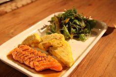 #Lachs mit #Polenta und #Salat