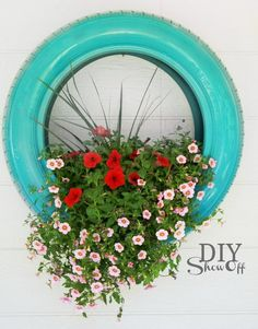 Welcome to the diy garden page dear DIY lovers. If your interest in diy garden projects, you'are in the right place. Creating an inviting outdoor space is a good idea and there are many DIY projects everyone can do easily. Dream Garden, Garden Art, Garden Design, Tire Garden, Garden Junk, Garden Hose, Outdoor Projects, Garden Projects, Diy Projects