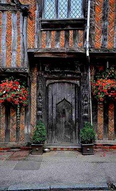 Lavenham, Suffolk, England: This little village is amazing, about 15 minutes outside of Bury St Edmunds Porte Cochere, Cool Doors, Unique Doors, Bury St Edmunds, Knobs And Knockers, Gates, Beautiful Buildings, Interesting Buildings, Doorway