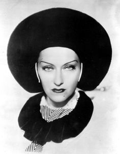 Gloria Swanson, Music in the Air, 1934 (costume by René Hubert)