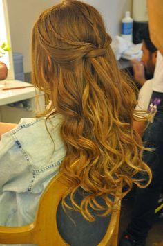 Inspiração penteados de festa!