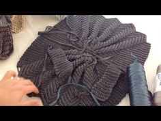 Oyster bag expression from our producing hands Öznur Sağlam 4 - DIY and Crafts Zig Zag Crochet, Free Crochet Bag, Crochet Tote, Crochet Handbags, Crochet Purses, Knit Crochet, Diy Handbag, Diy Purse, Crochet Designs