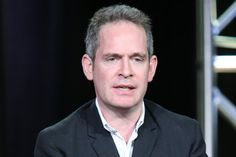 tom hollander would be perfect for Jonathan - Lauren's controlling ex