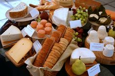 An Elegant Cheese Tray Meat And Cheese Tray, Wine Cheese, Meat Appetizers, Appetizer Recipes, Cheese Display, Buffet, Cheese Shop, Charcuterie Board, Queso