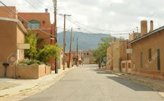 10871739-Street-scenery-from-Old-Town-in-Santa-Fe-New-Mexico-Stock-Photo.jpg (1300×800)