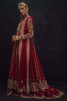 Make your big day celebration memorable and elegant with Nida Azwer Bridal collection. Get ready for wedding season with our Bridal Collection. Bridal Mehndi Dresses, Indian Bridal Outfits, Bridal Lehenga Choli, Wedding Dresses For Girls, Indian Designer Outfits, Pakistani Dresses, Designer Dresses, Wedding Outfits, Wedding Wear