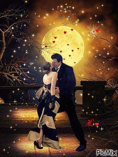 GOOD NIGHT MY LOVE Romantic Couple Kissing, Romantic Couple Images, Romantic Gif, Couple Romance, Couples In Love, Romantic Couples, Romantic Beds, Good Night Couple, Good Night Love Quotes
