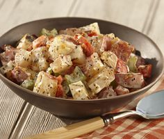 Add a flavorful twist to summertime potato salad by first grilling the potatoes and vegetables. Avocado Dressing, Ciabatta, Sin Gluten, Enchiladas, Grilled Vegetables, Veggies, Root Vegetables, Grilled Meat, Grilling Recipes