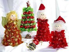 Enfeites de natal com reciclagem de cones de linha Xmas Decorations, Diy Crafts, Christmas Ornaments, Holiday Decor, Home Decor, Pandora, Holidays, Christmas Angels, Special Events