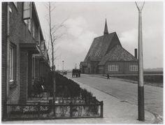 Haarlem 1936 Richard Holkade 9 hoek Diepenbrockstraat. De Zuid-Oosterkerk (arch. B.T. Boeyinga, 1935)