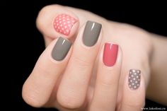 Grey/polkadot nails