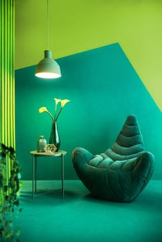 Living with one colour is a pretty serious commitment. What would that look like? And what if you were committing to go green? Monochrome Interior, Monochromatic Color Scheme, Colour Schemes, Interior Design, Monochromatic Living Room, Decoration Chic, Beautiful Home Designs, Beautiful Homes, Asian Paints