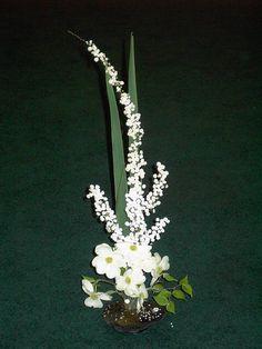 Garden Club Journal vertical floral design flower arrangement