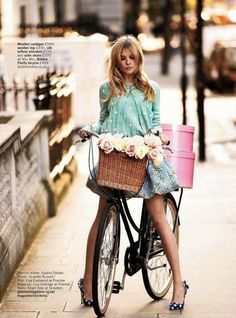 I think I'm going to go Carrie Bradshaw this spring... Yep. This inspired me.