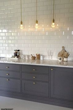Kitchen lighting design done right can make a big difference in enjoying your kitchen. Most Popular Kitchen Design Ideas on 2018 & How to Remodeling Kitchen Interior, New Kitchen, Kitchen Dining, Kitchen Grey, Country Kitchen, Minimal Kitchen, Awesome Kitchen, Beautiful Kitchen, White Kitchen Worktop
