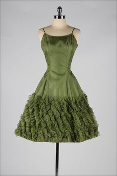 Vintage 50's green chiffon dress w/origami ruffles