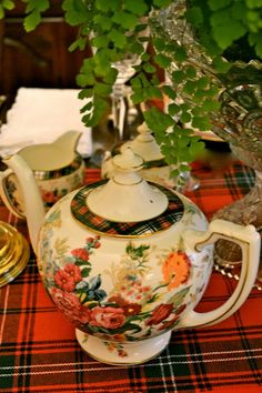 THE FRENCH HUTCH: ALL HEARTS COME HOME FOR CHRISTMAS