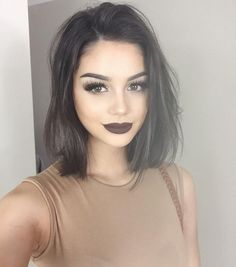 Hace que todas parezcan intimidantes. | 17 Razones por las que las mujeres no deben usar labial negro