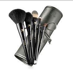 Great last minute gifts: Lancome makeup brushes.