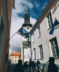 #Tallinn #tallinna #tallinngram #latergram #visitestonia #visittallinn #travelgram #travel #MoinPG #clouds #cloudporn