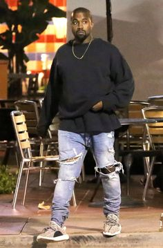 Kanye West Getting some late night grub                                                                                                                                                                                 More