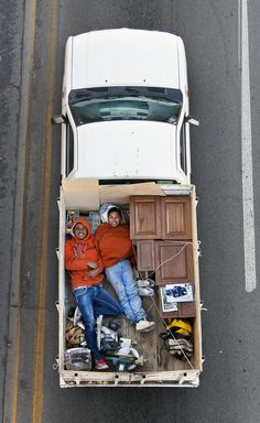 The Car Poolers by Alejandro Cartagena | Photographic Museum of Humanity