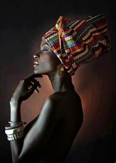 African self-consciousness . Afrikanisches Selbstbewusstsein . Foto von Joana Choumali