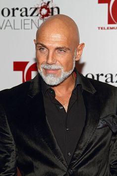 Bald man with grey beard Bald Men With Beards, Bald With Beard, Grey Beards, Beard Styles For Men, Hair And Beard Styles, Short Beard Styles, Goatee Styles, Old Man Haircut, Beard Haircut