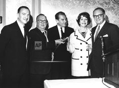 CBS Television Network stars won three George Foster Peabody Awards on April 24, 1963. Shown at the presentation are from left; CBS Newsman Walter Cronkite, who won the Television News Award, Dean John Drewry of the University of Georgia, administrator of the awards; Charles Collingwood, Television Public Service Award for ?A Tour of the White House with Mrs. John F. Kennedy,? Carol Burnett of CBS, Television Entertainment Award; and Peabody Awards Chairman Bennett Cerf (AP Photo) Service Awards, Public Service, Bennett Cerf, George Foster, Carol Burnett, University Of Georgia, The Fosters, April 24, Black And White