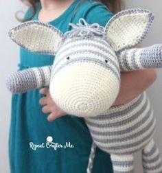Large amigurumi zebra toy (free crochet pattern) // Óriás amigurumi zebra plüss (ingyenes horgolásminta) // Mindy - craft tutorial collection // #crafts #DIY #craftTutorial #tutorial #DIYToys #ToyMaking #HandmadeToy