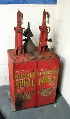 Vintage Auction Catalogue - Shell; an early double pump oil dispenser c/w original trans..