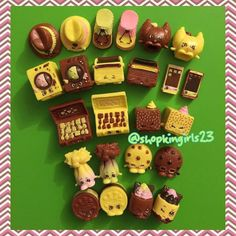 ・・・ Our complete Choc Frosted Shopkins collection Shopkins Season 1, Shopkins World, Shopkins And Shoppies, Chloe, Moose Toys, Monster High Birthday, Icarly, Toys For Girls, Pet Shop