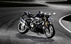 http://alliswall.com/ducati/ducati-streetfighter-s-x-x220-bike-wallpaper