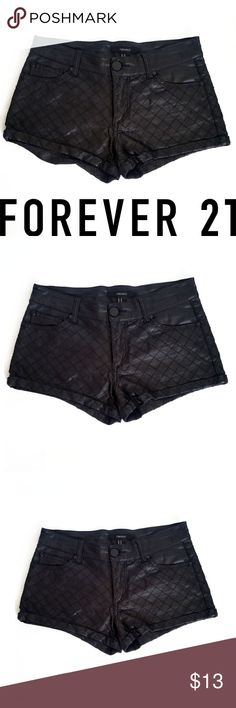 c2991e8b51139 Forever 21 Vegan Leather Quilted Shorts SZ XS Tag Size XS Measurements 28