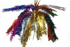 Glitter decoratie hanger multi color 60. Gekleurde hangende glitter decoratie slinger van folie materiaal. Het formaat van een slinger is c.a. 60 cm.