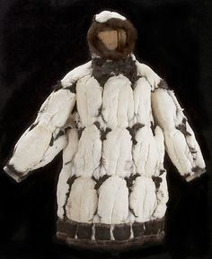 The Arctic People – Religion / Ceremonies / Art / Clothing Birdskin parka. Inuit Clothing, Art Clothing, Alaska, Inuit People, Religion, Arctic Circle, Indigenous Art, Art Themes, Kimonos