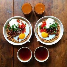 A falafel waffle! 😍😍 with a fried egg, shirazi salad, the best tahini ever (thanks and crispy curried chickpeas. Finished off with a 👌🏼 cold press Carrot, cucumber, Apple and turmeric juice by the boys and. Breakfast Tea, Perfect Breakfast, Breakfast Cooking, Breakfast Pizza, Mashed Potatoes Calories, Falafel Waffle, Turmeric Juice, Breakfast, London