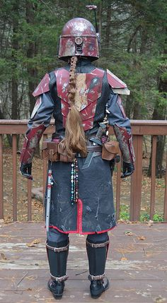 Kavryn Falco - Close Combat Specialist - Love the look of the back plates. Star Wars Droids, Star Wars Rpg, Star Wars Costumes, Cosplay Costumes, Mandolorian Armor, Mandalorian Costume, Armadura Cosplay, Galaxy Art, Star Wars Characters