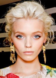 What: Full top lashes with a natural face.   Why we're obsessed: For those days when you don't want a full face of makeup, this Dolce&Gabbana spring/summer runway beauty look feels just right.