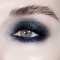 Gorgeous smoked look for green eyes ~ c/o the amazing KJH