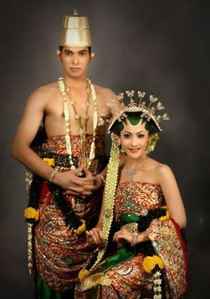 Javanese traditional wedding attire | inspiration wedding decoration