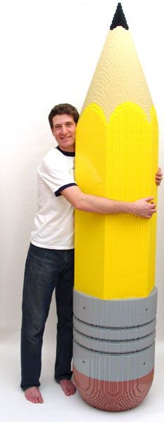 62 sculptures en LEGO grandioses et atypiques qui vont vous émerveiller SO AWESOME! Big Pencil — Nathan Sawaya — The Art of the Brick Lego Sculptures, Art Sculpture, Construction Lego, Amazing Lego Creations, Lego Boards, Lego Minecraft, Lego Design, Lego Models, Lego Projects