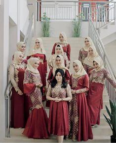 Dress Brukat, Batik Dress, The Dress, Dress Outfits, Hijab Gown, Hijab Dress Party, Hijab Wedding Dresses, Muslim Dress, Kebaya Muslim