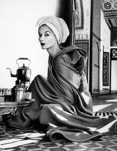Lisa Fonssagrives by Irving Penn - Maroccan Palace, Marrakech, 1951