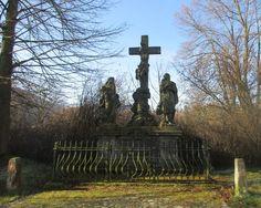 Kříž se sochami - Sloup v Čechách - Česko