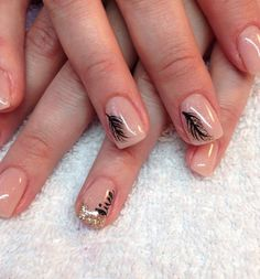 Natural nude gel nails