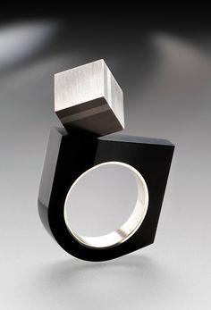 Bague a modeler acier : elle donne la capacité de modelé l'acier attention de petite modulation 70 % de modeler un objet en acier a partir d'acier simple 7500 po
