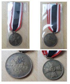 """Medal KVK – Kriegsverdienstmedaille"""", został ustanowiony 19-08-1940, Jako najniższa klasa Krieksverdienstkreuza (Krzyż Zasługi Wojennej, ustanowiony 19 października 1939), przyznawany za wysoką wydajność pracy na potrzeby wojenne. Medal jest wykonany z brązu. A napis brzmi: """"Fur/Kriegs-/verdienst/1939"""""""